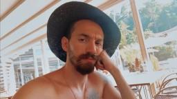 ışıkhüzmesindegezendoga profil fotoğrafı